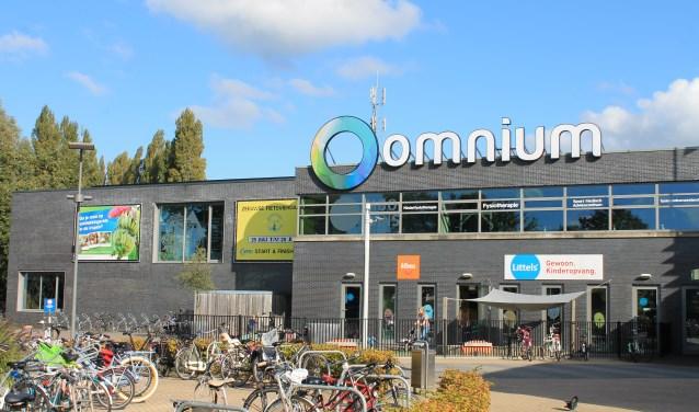 Het sport- en recreatiecentrum Omnium in Goes moet in handen van de gemeente blijven. Dat stellen burgemeester en wethouders voor aan de gemeenteraad. Foto: Leon Janssens