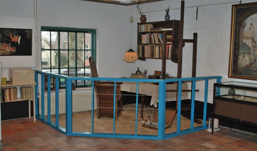 De originele werkhoek van Anton Pieck is te zien in het museum.