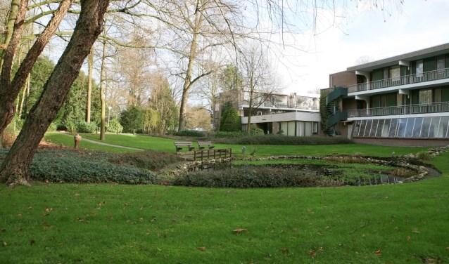 Warande heeft zeven vestigingen voor wonen en (antroposofische) zorg.  Warande werkt samen met de stichting Kraaijbeek in Driebergen.