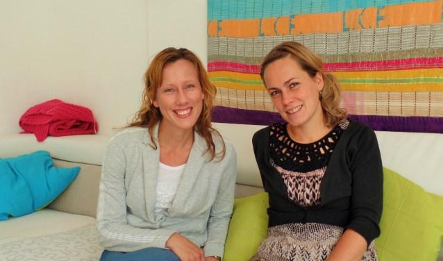 Links Evelien den Dolder en rechts Gertrude van Hofwegen, beiden zijn actief  voor SiHVA en doen veel bezoekwerk onder vluchtelingen.
