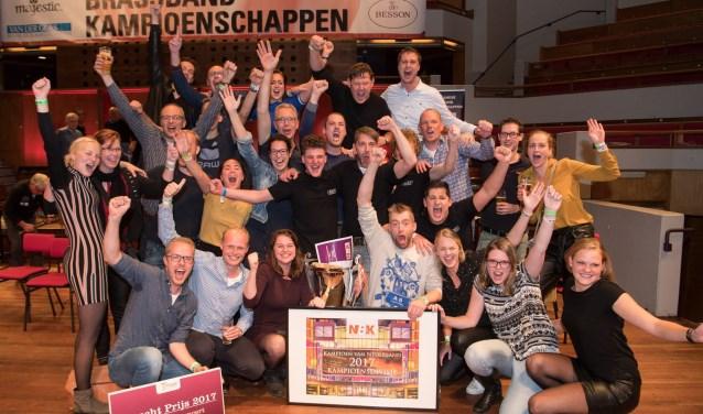Brassband De Wäldsang wint de Nederlandse Brassband Kampioenschappen. Inzet: Schoonhoven (2e) ontvangt de Utrecht Prijs. Foto's: Goldy Solutions