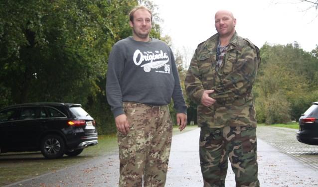 """Vader Eric (rechts) en zoon Mike van Eijck willen het beste voor de Sterrenwijk. """"Met praten alleen kom je nergens"""".            Foto: GvL"""