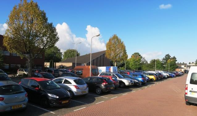 Tekort aan parkeerruimte in de PC Hooftstraat. (foto GvS)