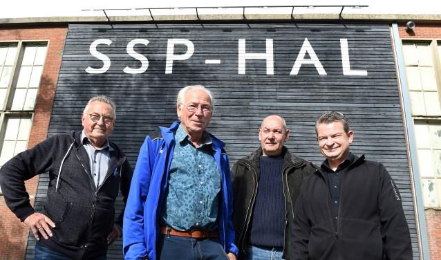 Vlnr: Theo van Amersfoort, Leo Overbeek, Frans Evers en Frank Alen. (foto: Roel Kleinpenning)