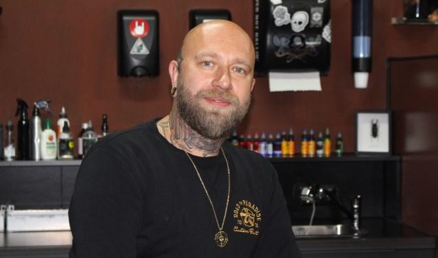 """Robert de Bergh van Tattoo en piercingshop Pandje 9: """"Mijn tattoo's zijn een een uniek cadeautje voor de mensen zelf"""""""