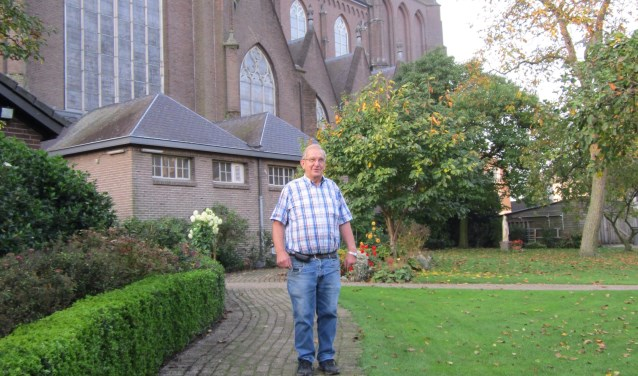 """""""We hebben van een andere kerk een orgel gekregen"""", vertelt Tonny van Grinsven. """"Het ligt nu opgeslagen want het kost tonnen om het orgel in te bouwen en te plaatsen. Daarom is er een stichting in het leven geroepen om de zaak te financieren."""""""