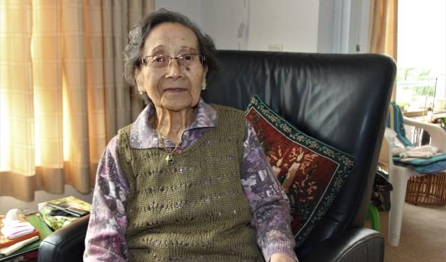 Riek van de Laak wordt op woensdag 1 november 100 jaar. Haar eeuwfeest viert ze met  kinderen, klein- en achterkleinkinderen en verdere familie en vrienden