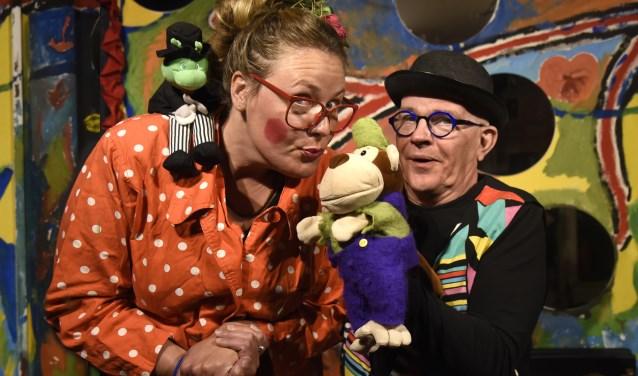Claudia Verschuur en Ben Bijker nemen als Klodje en Krek maandelijks hun intrek in Kleintheater Zwaan. Foto: Marianka Peters