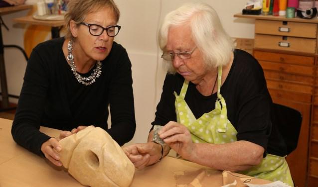 Jopie Broeks in haar eigen Atelier 276 (foto: Marco van den Broek).
