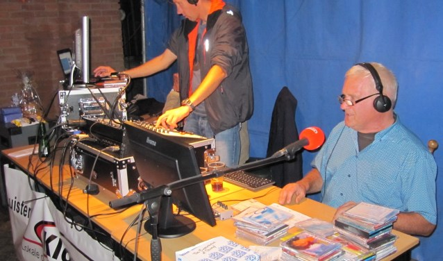 Klokradio op locatie in Oud-Alblas. (Foto: Klokradio)
