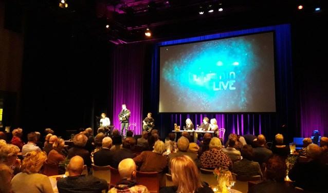 Kunstmin Live trok ook deze keer een volle zaak. (foto: Nanda van Heteren)