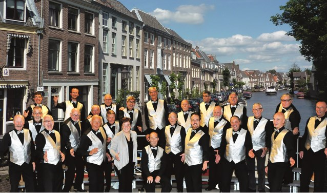 Barbershopkoor Lake District Sound bestaat 25 jaar. Tekst: Ria van Vredendaal, foto: PR