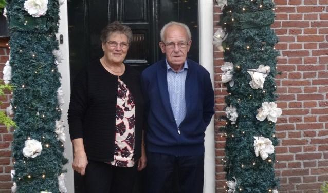 Van harte gefeliciteerd Tiny en Marie. Dat jullie nog vele jaren in goede gezondheid van elkaar en van jullie gezin mogen genieten!