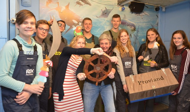 Leerlingen van Pius X bedachten de spannende verhaallijn 'Escape the plane'. Een hachelijke vliegreis over de Stille Oceaan naar Bora Bora.