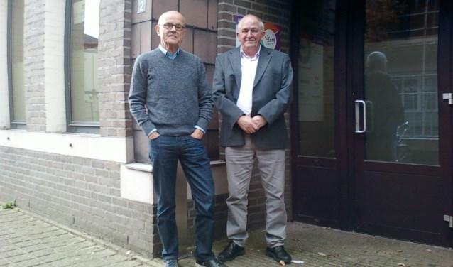 Bestuursvoorzitter John Clerx en coördinator Jos van de Mortel van Grip op Schuld bij het kantoor van de stichting aan de Oude Martinetstraat 2 in Deurne