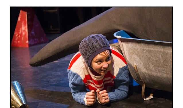 Theatermaakster Simone de Jong trapt de reeks zondag om 11. 00 uur af met Walvisjong.