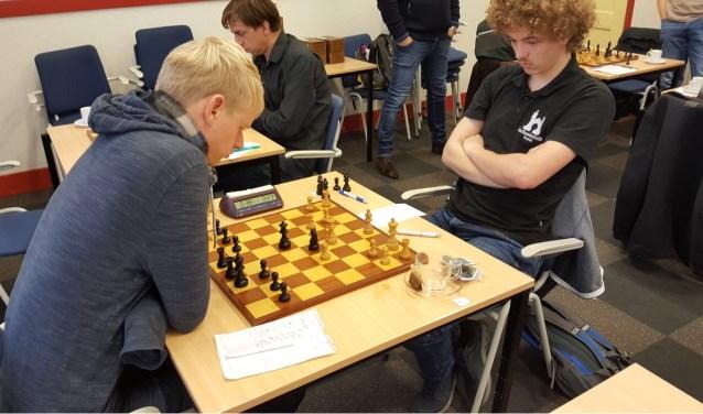 Martijn Bakker (links) speelde een sterke partij.