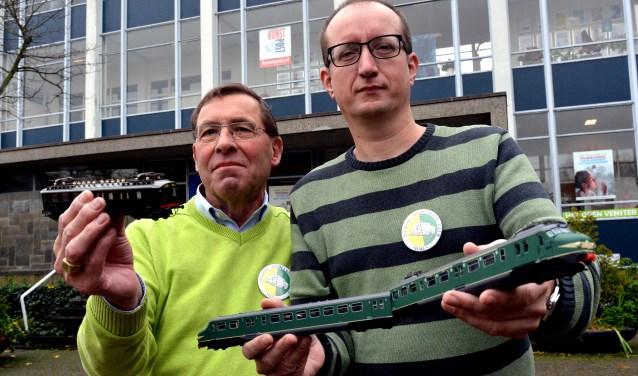 Voorzitter Coen Delissen (links) heeft zelfs al een rondje door de Binckhorst gefietst. 'Ik had het gevoel dat daar toch een plekje voor ons te vinden moet zijn.' (Foto: Jos van Leeuwen)