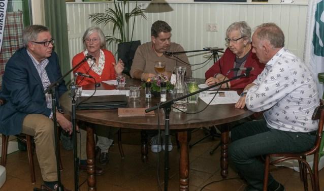 De Alphense Talkshow met Lyda de Jong, Tonnie Bonnet en Jo Schriek. Zij spraken over de toekomst van de zorg in Alphen aan den Rijn. FOTO: Raymond Geertsen Fotografie