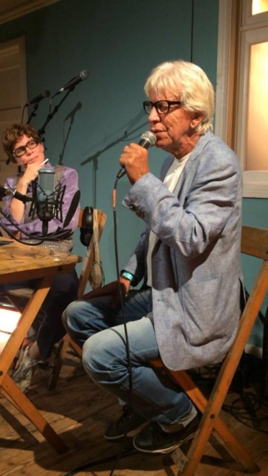 Mennie (Pascal) met vader Rudy van den Berg.  © Persgroep