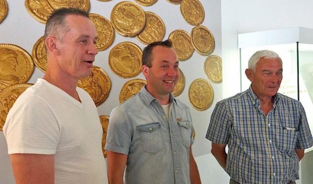 De vinders van de schat: v.l.n.r. Mark Volleberg, Cees-jan van de Pol en  Dik van Ommeren. (Foto: HKKEO)