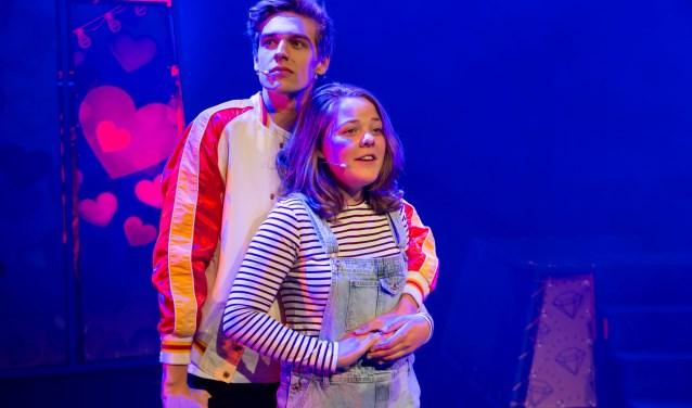 Ridder van Kooten en Annick Boer spelen de hoofdrollen in een familiemusical over Tina. Foto: Andy Doornhein