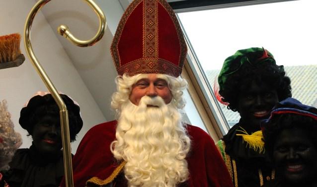 Sint Nicolaas houdt niet van de Spaanse warmte, wel van het klimaat op Noord-Beveland. FOTO: Leon Janssens