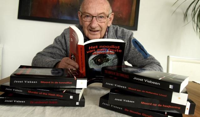Oud-rechercheur Joost Visbeen duikt in zijn achtste boek in de duistere wereld van de maffia. Foto: Marianka Peters