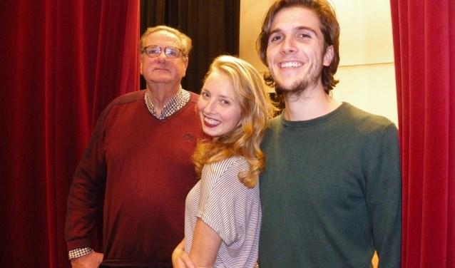 Klaas Smid, Tess van der Zet en Kieran Wych (v.l.n.r.) zijn op zondag 10 december bij het 'Samen op weg naar Kerst' concert van Die Gouwe Sanghers in Flora Boskoop. FOTO: Morvenna Goudkade
