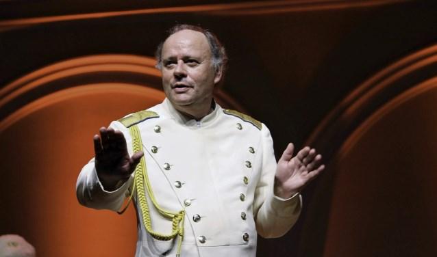 Dirigent Marcel Verhoeff tijdens een concert met het  Don KosakenChor Russland. FOTO: MONIQUE LIET