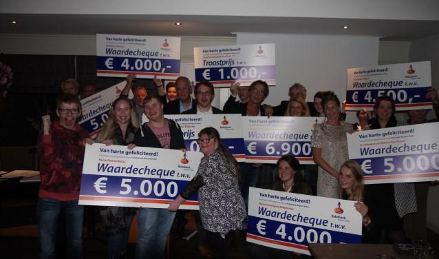 Alle prijswinnaars waren enthousiast en erg blij met de ontvangen cheque.