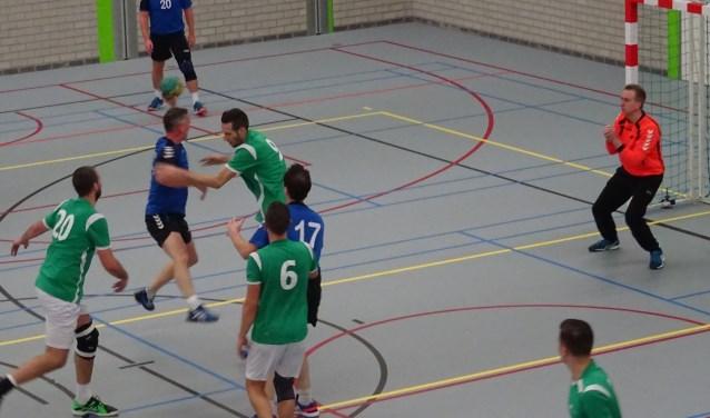 Tien minuten goed handbal bleek te weinig voor de heren. (Foto: PR)