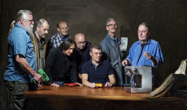 Waar er bij de start nog 3 reparateurs waren, telt de vrijwilligersgroep nu maar liefst meer dan 15 reparateurs. De meesten hebben zo hun eigen specialisatie.
