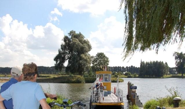 Vanwege de staking kwam er geen brug tussen Megen en Appeltern en is een pontje het aangewezen vervoersmiddel.