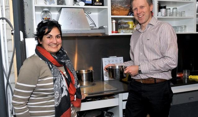 Ana en Martin Roders: koken op inductie bevalt prima. Foto: Erwin Dijkgraaf