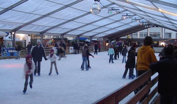 Overdekte ijsbaan in het Belgische Genk, zoiets krijgt Nesselande dus ook.