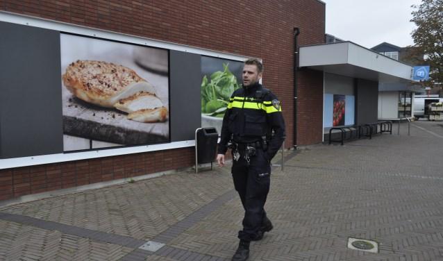 Erik van Breukelen is de nieuwe wijkagent in Bunnik. Hij vindt het erg belangrijk om er te zijn voor de burgers, maar hij wil het ook samen met de burgers doen. FOTO: Agnes Laurens