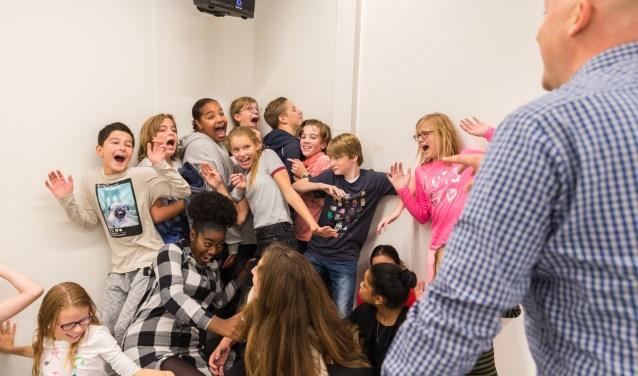 Leerlingen tijdens een les spel op De Mavo voor Theater. Foto: Joep van Aert