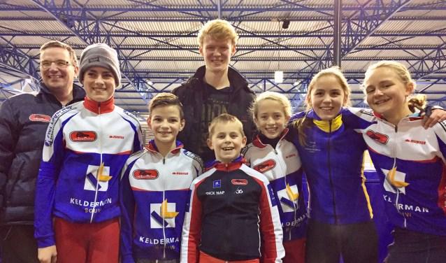 Snelle tijden in Dronten met: coach Martin, Renier van Roekel, Corne van Dooren, Chaim Boer, Niels Hiddink, Anna Jochemsen, Jasmijn Hiddink en Anna van Meijeren.