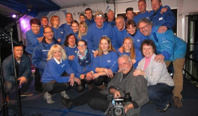 De vrijwilligers van Maarssen On Ice. Het schaatsfestijn begint op 1 december en duurt tot en met 7 januari. Foto: Ria van Vredendaal