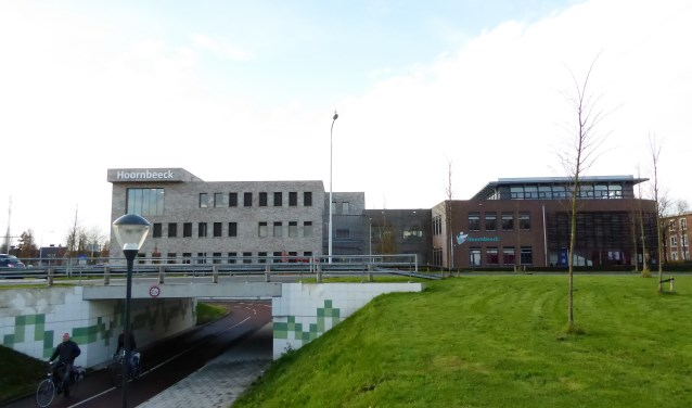 Het schoolgebouw aan de Van Dusseldorpstraat is klaar voor de toekomst. Na een grootschalige verbouwing, die bijna een jaar heeft geduurd, is de school nu twee keer zo groot. FOTO: Rachel van Westen