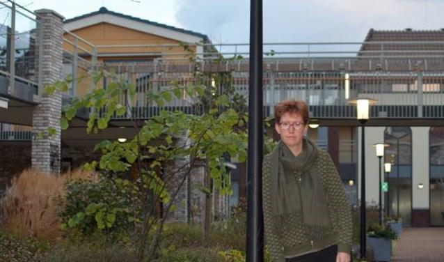 Ruth Schreuders is geestelijk verzorgster bij verpleeghuis Rietveld. 'In de periode na de opname bied ik vooral een luisterend oor. Nieuwe bewoners hebben vaak een heftige periode achter de rug.'