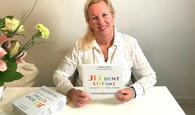 Als kind zag Ingeborg Stevens ooit de dood in ogen. Waarna ze zichzelf een belofte deed: ooit zou ze een boek schrijven voor kinderen. Dat boekt presenteerde ze zondag.