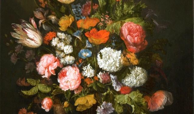 Een gedeelte van een schilderij van Abraham van Beyeren, genaamd bloemstilleven.