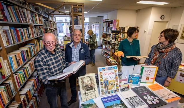 De boekenlegger is een lustoord voor boekenliefhebbers. Bezoekers komen er niet voor een snel bezoek maar blijven vaak lang neuzen. De Boekenlegger koopt geen boeken, alle boeken worden geschonken. (Foto: Jan Bouwhuis)