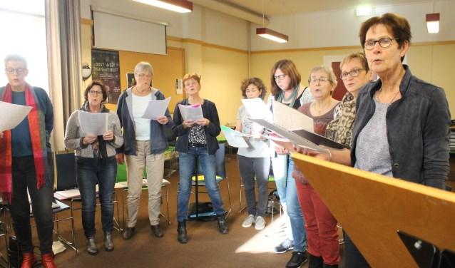 Noon Time Singers (45+), elke maandagmiddag, aanvang 13.30 uur, Elisabethhof 2. Kom ook meezingen!