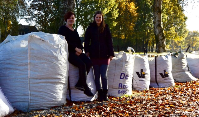 Nicolle en Yvonne zijn trots op de verdubbeling van het aantal big bags. (foto: eigen foto)