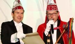 Adjudant Koen en prins Ger II van De Keieschieters. (Foto: Bas Delhij)