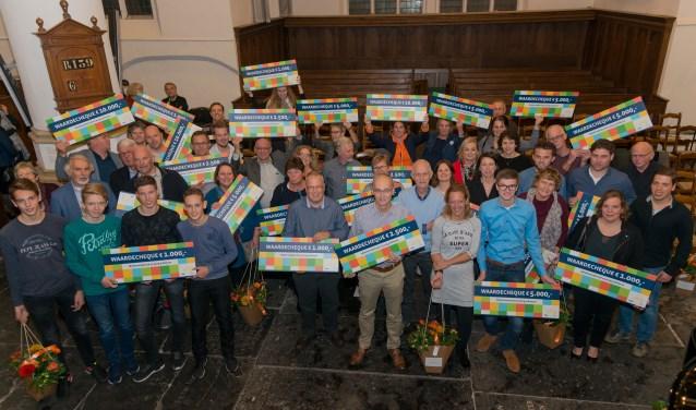 De bijeenkomst werd bijgewoond door bestuurders van 60 verenigingen en stichtingen en uiteraard door alle prijswinnaars met aanhang. FOTO: Jos Didden