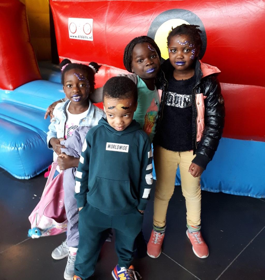 Divine, Gael, Chekina en Josael hadden een topmiddag dankzij de Sinterklaas-actie van Euroscoop voor Quiet-members.